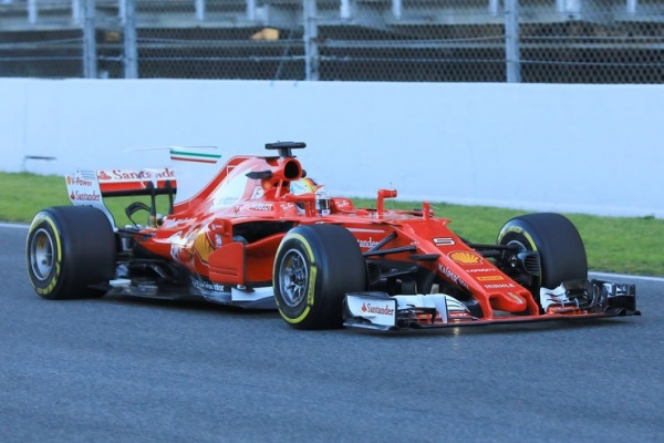 ferrari sf70h test1